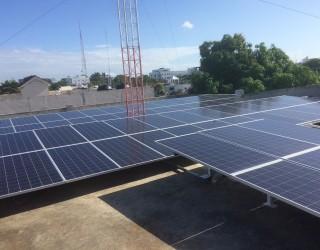 21kw Placas Solares Yingli Solar YL305P-35b Rep Dominicana 1 www.vicoexport.com